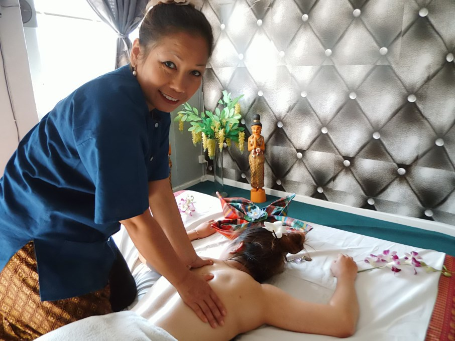 sverige eskort blue thai massage