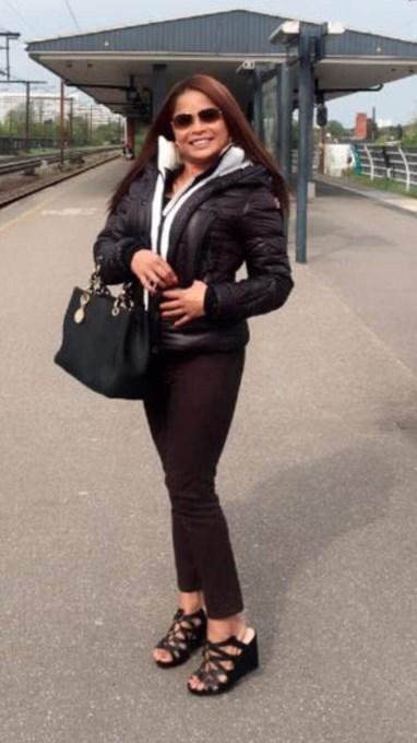 Annette schwarz nackt